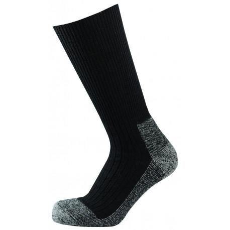 Černá - Antibakteriální Klasik TERMO | Ponožky KNITVA Fish and Hunt - Teplé vlněné outdoorové termo ponožky s antibakteriální úpravou, která obsahuje nano částice stříbra.Zesílené froté zóny v chodidle pro vysoký termoizolační efekt. Ponožky jsou speciálně vyvinuté pro menší fyzickou zátěž ado méně náročných podmínek do vysoké obuvi, outdoorových bot i holin.